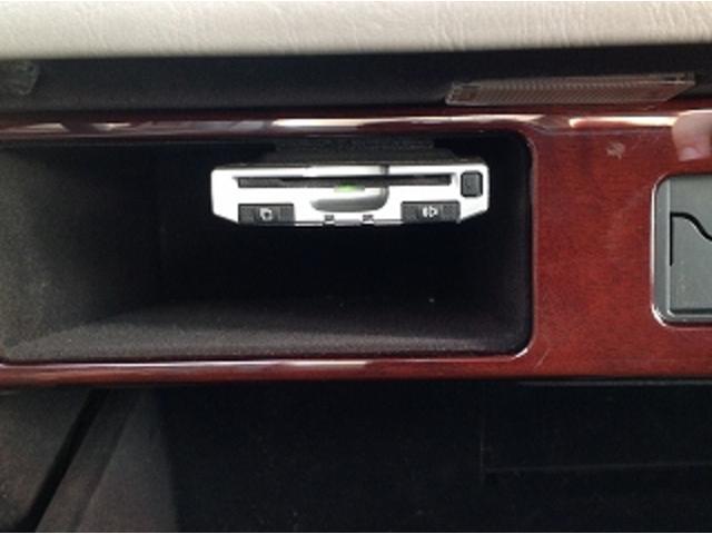 標準仕様車 ナビフルセグTV 後席モニター 本革シート カールソンCR1/11R LEDヘッドライト 後期テール パワーシート&シートヒーター 後席リフレッシュシート ビルトインETC ウッドコンビステアリング(17枚目)
