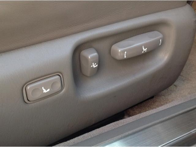 標準仕様車 ナビフルセグTV 後席モニター 本革シート カールソンCR1/11R LEDヘッドライト 後期テール パワーシート&シートヒーター 後席リフレッシュシート ビルトインETC ウッドコンビステアリング(26枚目)