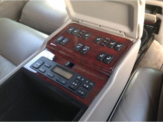 標準仕様車 ナビフルセグTV 後席モニター 本革シート カールソンCR1/11R LEDヘッドライト 後期テール パワーシート&シートヒーター 後席リフレッシュシート ビルトインETC ウッドコンビステアリング(30枚目)