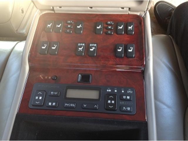 標準仕様車 ナビフルセグTV 後席モニター 本革シート カールソンCR1/11R LEDヘッドライト 後期テール パワーシート&シートヒーター 後席リフレッシュシート ビルトインETC ウッドコンビステアリング(31枚目)