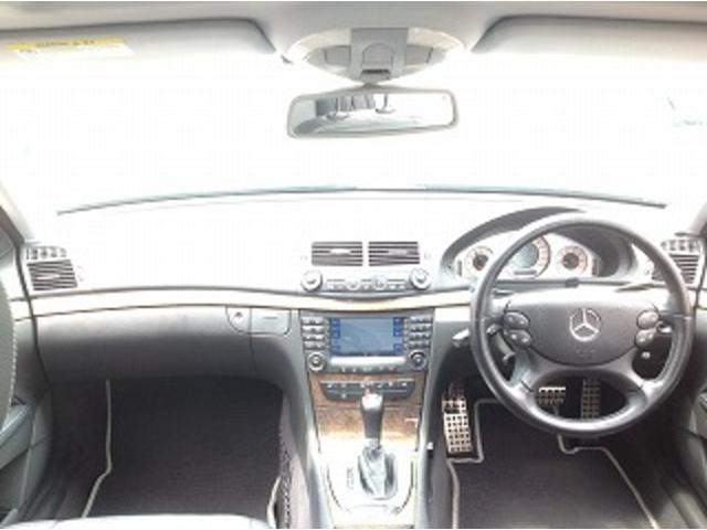 E280ステーションワゴン AVGスポーツエディション 黒革シート サンルーフ メーカナビ パワーシート シートヒーター コーナーセンサー クルーズコントロール HIDオートライト パワーゲート バックフォグ ETC(3枚目)