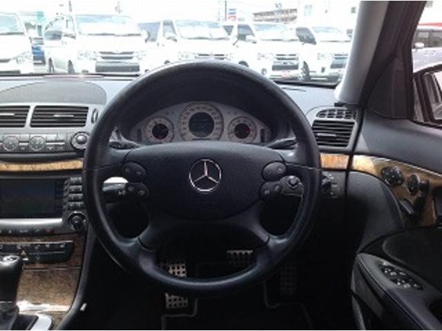 E280ステーションワゴン AVGスポーツエディション 黒革シート サンルーフ メーカナビ パワーシート シートヒーター コーナーセンサー クルーズコントロール HIDオートライト パワーゲート バックフォグ ETC(5枚目)