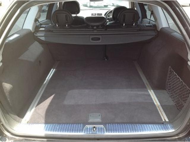 E280ステーションワゴン AVGスポーツエディション 黒革シート サンルーフ メーカナビ パワーシート シートヒーター コーナーセンサー クルーズコントロール HIDオートライト パワーゲート バックフォグ ETC(19枚目)