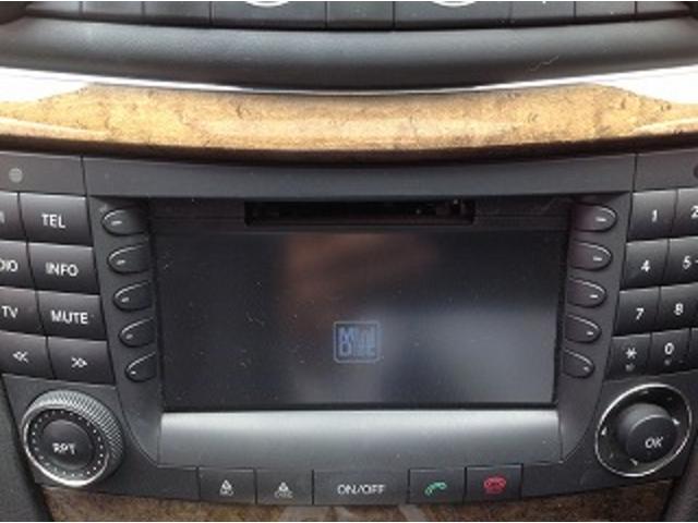 E280ステーションワゴン AVGスポーツエディション 黒革シート サンルーフ メーカナビ パワーシート シートヒーター コーナーセンサー クルーズコントロール HIDオートライト パワーゲート バックフォグ ETC(25枚目)