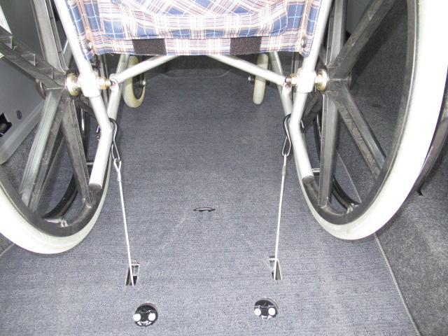 福祉車両 タクシー ユニバーサルデザイン スロープ(10枚目)