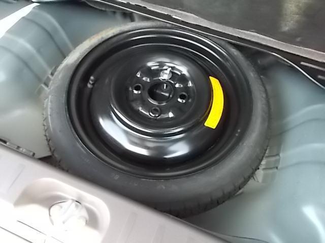 スペアタイヤ・空気圧確認済み・ジャッキ工具車載確認済みです。