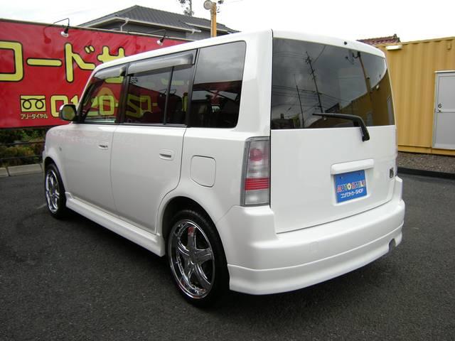 Goo鑑定にて外装評価満点5つ星の良質な車両です。ポリマーコーティング(鏡面加工)施工済みでツヤツヤで、洗車などのメンテナンスも容易です!リアプライバシィガラス装備!