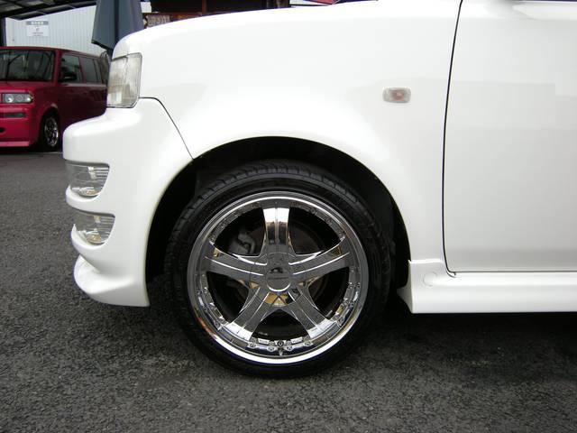 【シュティッヒ】 エクスプローラー17インチメッキアルミホイール装備で、タイヤ溝4本とも7部山以上あります。【各種カスタマイズ】 車高調整式サス、ローダウンサスなど格安にて販売取付致します!