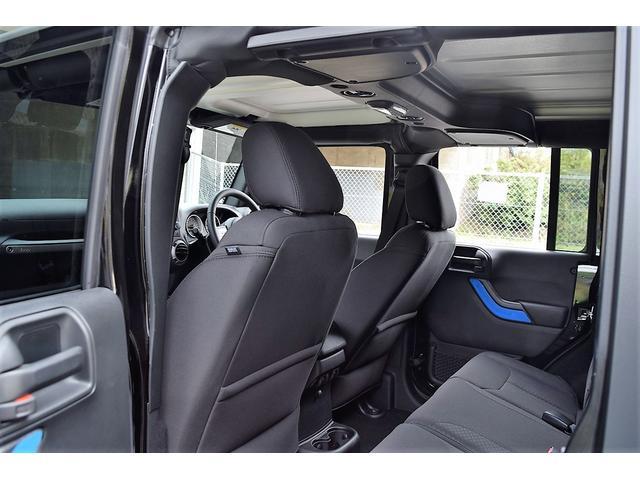 クライスラー・ジープ クライスラージープ ラングラーアンリミテッド スポーツ 4WD オフロードカスタマイズ 登録済 未使用車