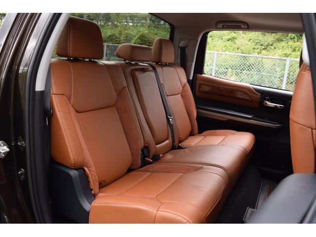 クルーマックス 1794エディション 4WD トノカバー付き(14枚目)