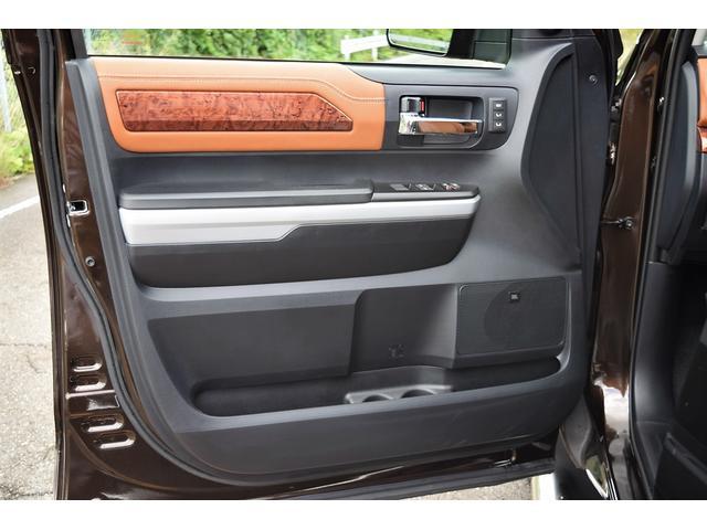 クルーマックス 1794エディション 4WD トノカバー付き(15枚目)