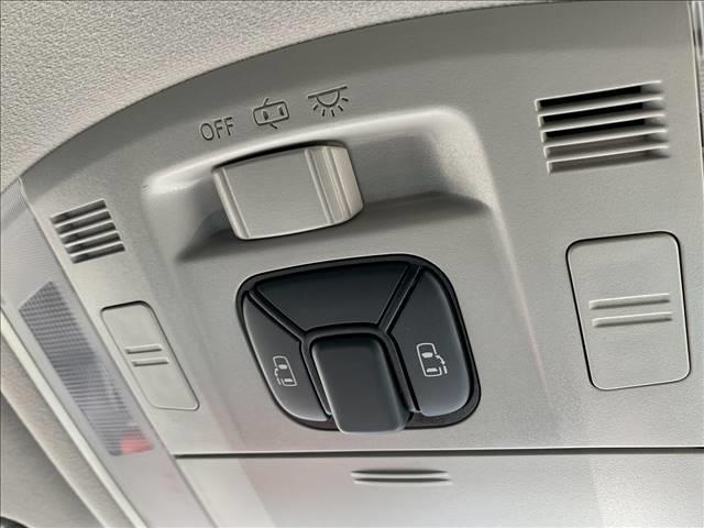 240S 両側電動 HDDナビ フリップダウンモニター HIDライト ビルトインETC クリアランスソナー スマートキー コンビステアリング フォグランプ 純正アルミホイール バックカメラ(5枚目)