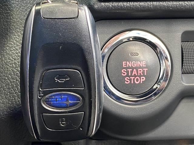1.6STI Sport EyeSight アドバンスドセー 衝突軽減 レーダークルーズコントロール シートヒーター 革シート パワーシート スマートキー ブラインドスポット ETC SDナビ地デジ アイドリングストップ パドルシフト フォグランプ(4枚目)