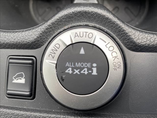 20X 地デジナビ バックカメラ 4WD 3列シート インテリジェントキー ステアリングリモコン アイドリングストップ(4枚目)