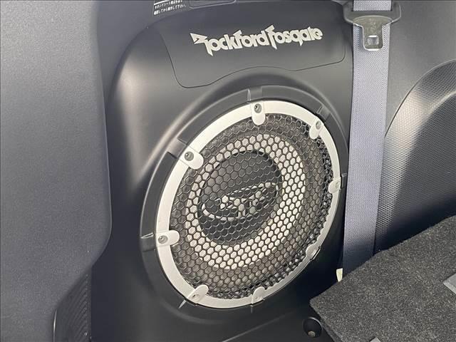 良質な音源のロックフォードスピーカー搭載。