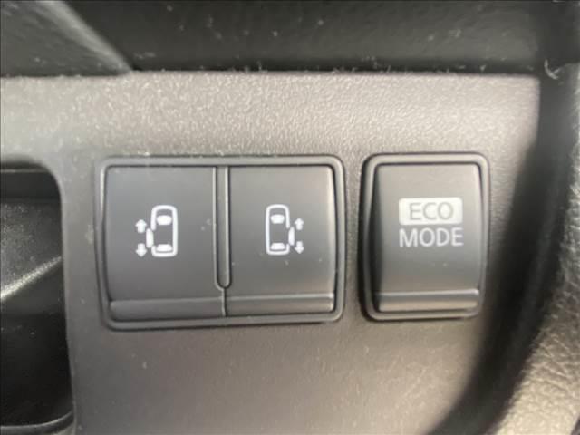 ハイウェイスター Vセレクション 両側電動 フルセグナビ バックカメラ ETC クルーズコントロール アイドリングストップ 純正アルミ リアスポイラー HIDヘッドライト フォグランプ プッシュスタート インテリジェントキー(4枚目)