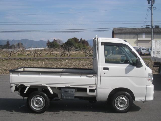 4WD ツインカムスペシャル エアコン・パワステ(4枚目)