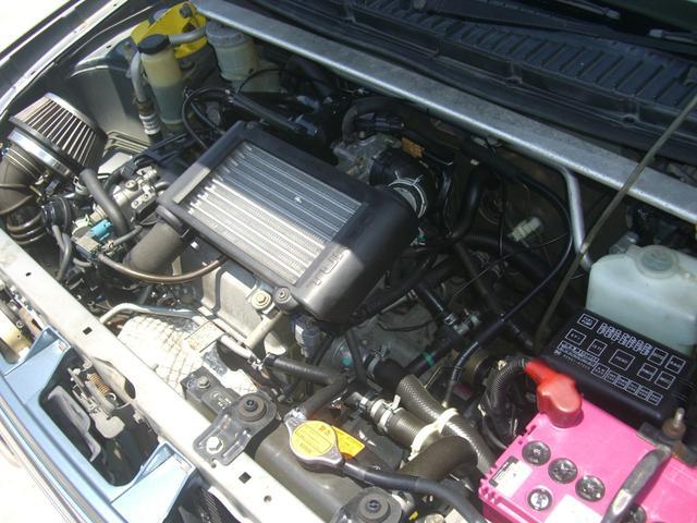 エンジンルームもしっかりクリーニング済み!機関良好です!お問い合わせ専用無料ダイヤル0066-9700-0199からお気軽にTEL下さい。