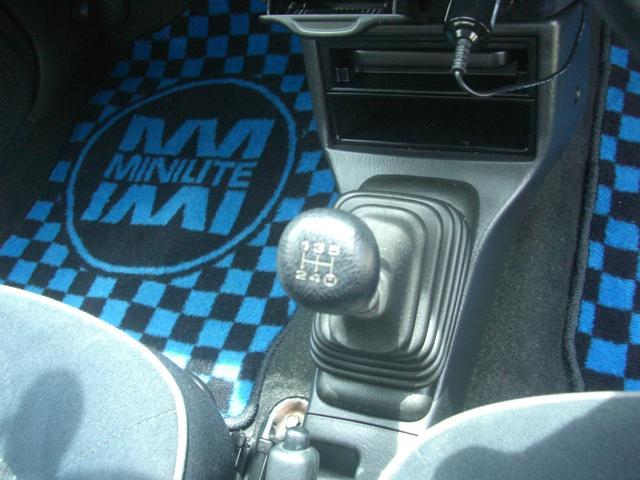 ミニライトスペシャルターボ 5速MT ローダウン クラッチ4点交換済 TベルトWポンプ交換済 ドライブレコーダー ETC ポータブルナビTV 後期グリル クラシックターンランプ 禁煙車(11枚目)