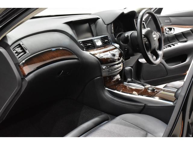 250GT サンルーフ ブラックハーフレザーシート Bluetooth HDD フルセグ サイドバックカメラ ETC 新品タナベ車高調 新品21インチタイヤホイール 新品フルエアロ 新品インフィニティエンブレム(13枚目)