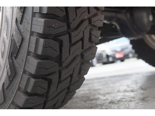 クロスアドベンチャー 4WD/9型/無料1年保証付き/AT車/1オーナー禁煙車/ストラーダナビ/地デジフルセグTV/専用レザーシート/シートヒーター/スズキスポーツアルミステップ/マッドガード/アルミ縞鋼板ラゲッジ/(19枚目)