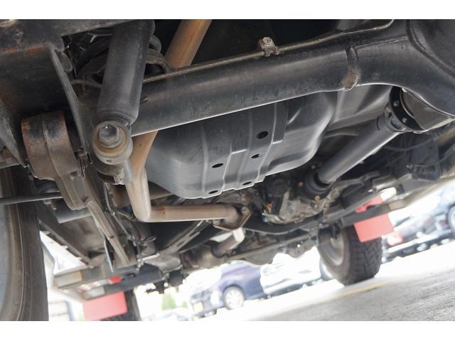 クロスアドベンチャー 4WD/9型/無料1年保証付き/AT車/1オーナー禁煙車/ストラーダナビ/地デジフルセグTV/専用レザーシート/シートヒーター/スズキスポーツアルミステップ/マッドガード/アルミ縞鋼板ラゲッジ/(20枚目)