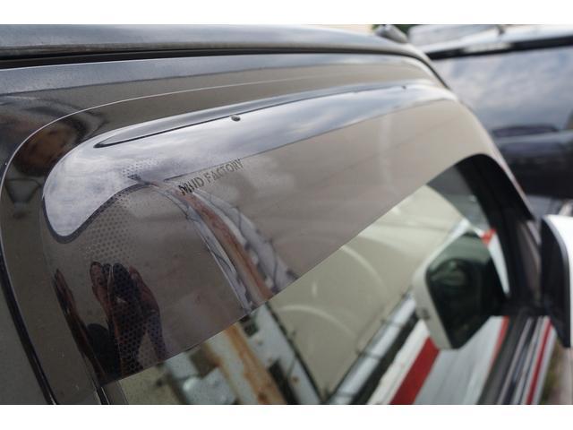 クロスアドベンチャー 4WD/9型/無料1年保証付き/AT車/1オーナー禁煙車/ストラーダナビ/地デジフルセグTV/専用レザーシート/シートヒーター/スズキスポーツアルミステップ/マッドガード/アルミ縞鋼板ラゲッジ/(43枚目)