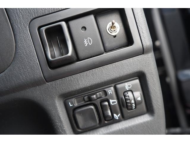 クロスアドベンチャー 4WD/9型/無料1年保証付き/AT車/1オーナー禁煙車/ストラーダナビ/地デジフルセグTV/専用レザーシート/シートヒーター/スズキスポーツアルミステップ/マッドガード/アルミ縞鋼板ラゲッジ/(54枚目)