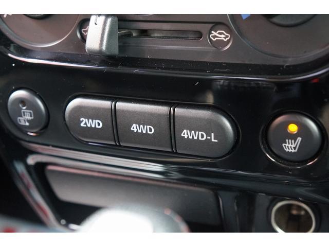 クロスアドベンチャー 4WD/9型/無料1年保証付き/AT車/1オーナー禁煙車/ストラーダナビ/地デジフルセグTV/専用レザーシート/シートヒーター/スズキスポーツアルミステップ/マッドガード/アルミ縞鋼板ラゲッジ/(61枚目)
