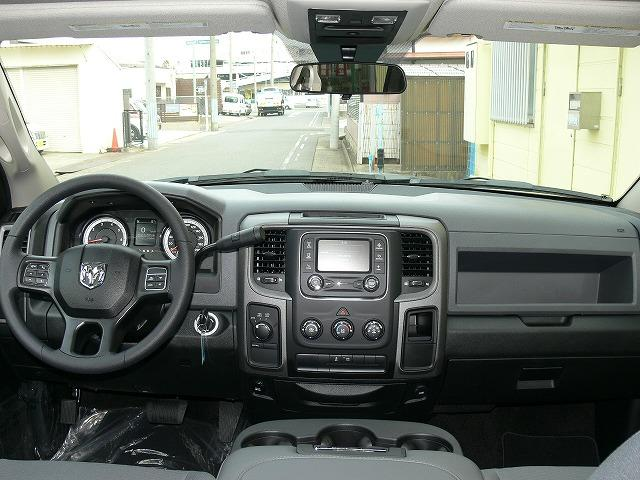 1500 ST 4WD 5.7L HEMI 20インチAW(15枚目)