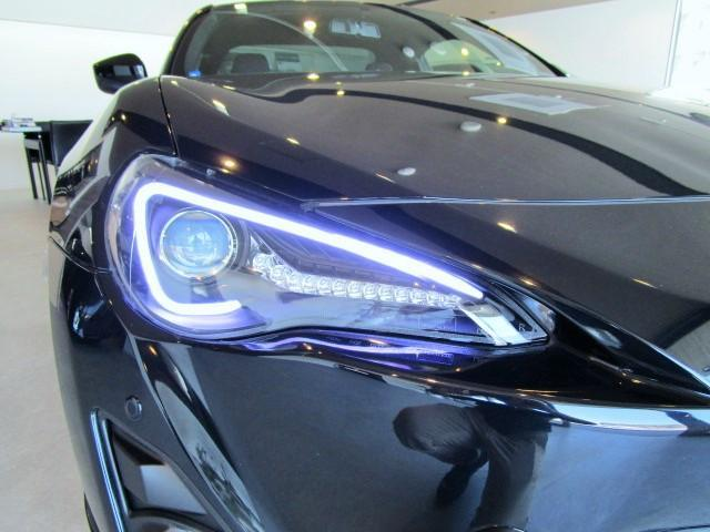トヨタ 86 GT モデリスタ仕様 ファイバーヘッドX流れるウィンカー
