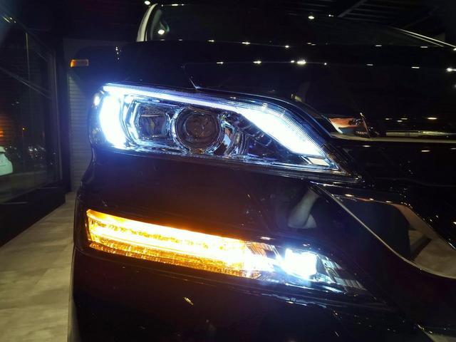 2.4Z プラチナセレクションII フル30仕様 新品ファイバースモール&シーケンシャルウィンカー仕様ヘッドライト(8枚目)