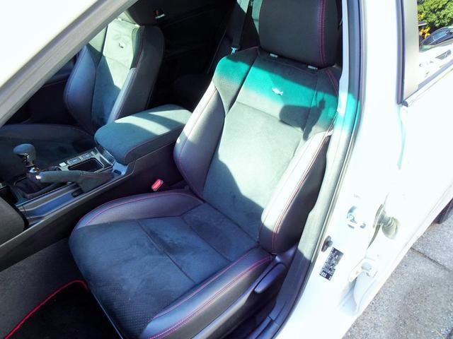 使用感の少ないとってもきれいなG's専用右リア席シート!