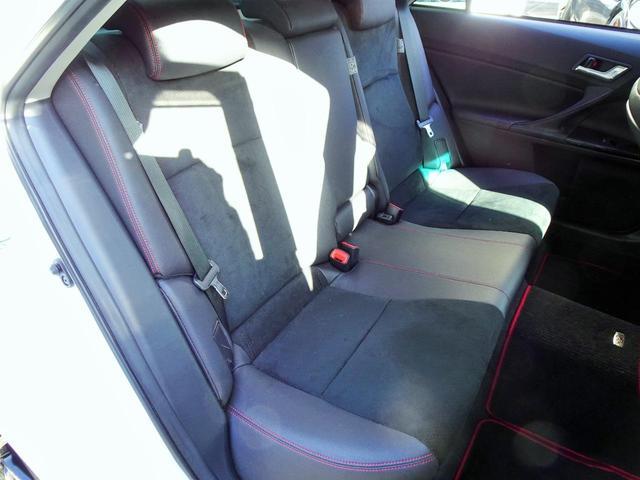 使用感の少ないとってもきれいなG's専用左リア席シート!