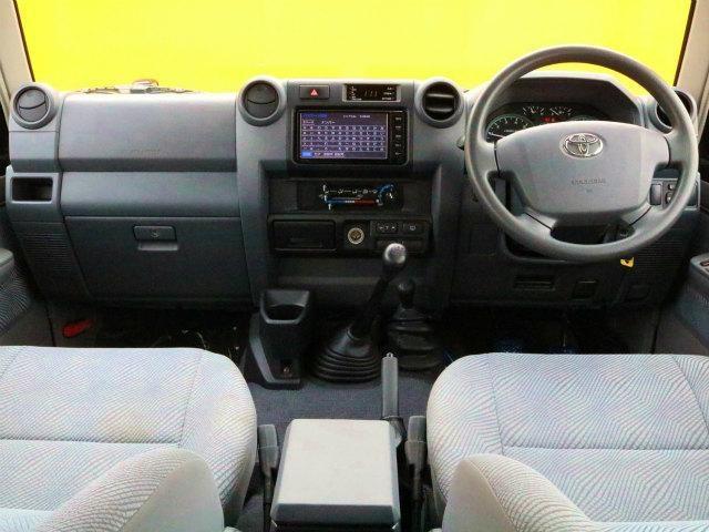 4.0 4WD 再販モデル NEWペイント202ブラック(2枚目)