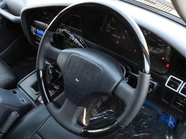 トヨタ ランドクルーザー80 VXリミテッド・角目四灯・オーバーフェンダー・コンビハンドル