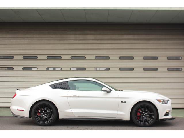 V8 GT プレミアム ブラックトップ ビッグブレーキ(5枚目)