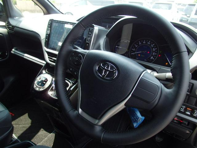 トヨタ ノア ハイブリッドSi アルパイン製11型 両側電動 LEDライト