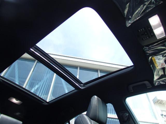 サンルーフが付いていると空気の入れ替えも気持ち良く、解放感、高級感が増し、車内も広く感じます!