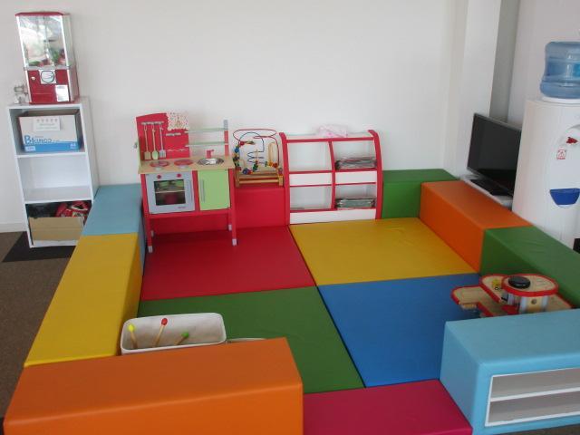 清潔なキッズスペースを完備しております!お子様連れのお客様も安心です♪