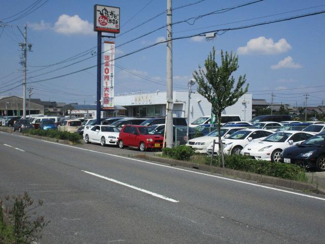 車でのアクセスがし易い立地です。公共交通機関ご利用の方は、名鉄津島線の木田駅が最寄りとなります。駅まで無料送迎いたします♪