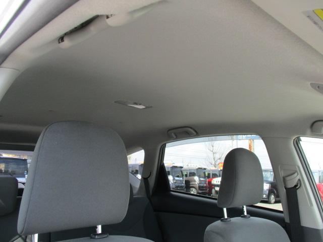 天井の状態も良好で広々とした車両になります!