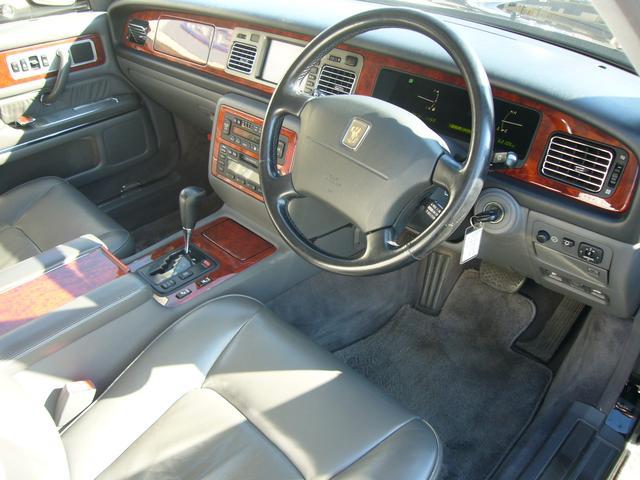 トヨタ センチュリー 標準仕様車 デュアルEMVパッケージ 本革シート ETC