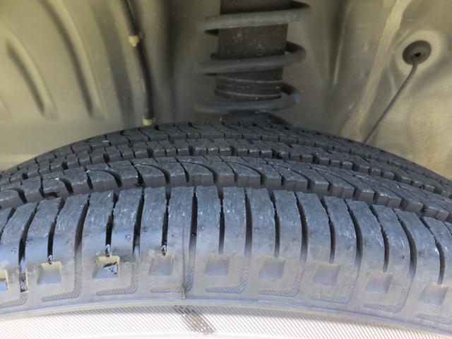 VR ワンオーナー 車検令和5年7月 5速マニュアル車 4WDターボ アルミ 純正オプションメッキグリル ルーフレール リアスポイラー プライバシーガラス ドアバイザー 背面タイヤソフトカバー キーレス(13枚目)