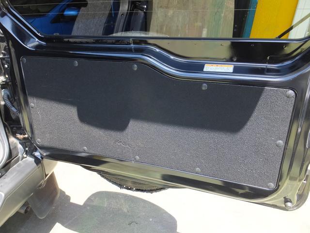 VR ワンオーナー 車検令和5年7月 5速マニュアル車 4WDターボ アルミ 純正オプションメッキグリル ルーフレール リアスポイラー プライバシーガラス ドアバイザー 背面タイヤソフトカバー キーレス(35枚目)