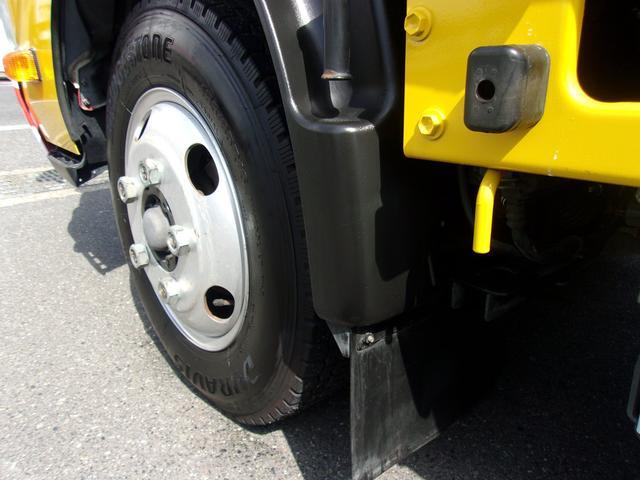 フロントのタイヤです!残り溝も有り、まだまだご使用していただけます。