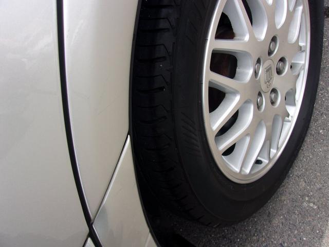 リヤのタイヤです!残り溝も有り、フロントのタイヤ同様、まだまだご使用していただけます!