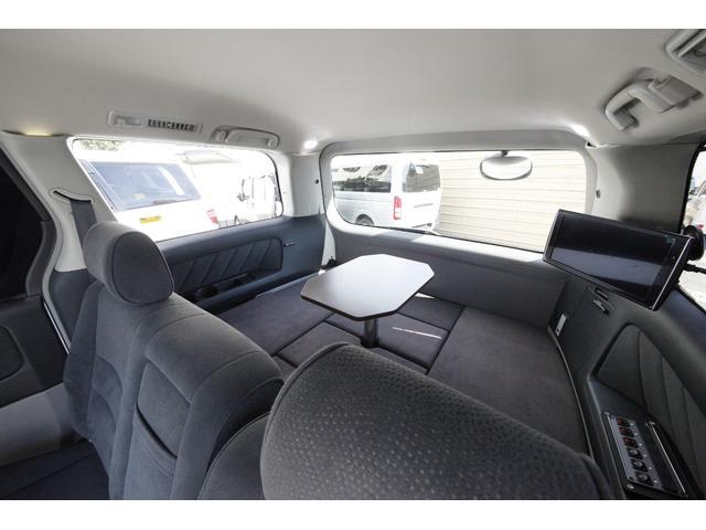 2列目シートを前向きにしても115cm×140cmのベッド展開可能です。
