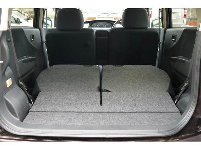 後席シートを倒せばご覧のようにトランクの容量も一気に増えます!大きめな荷物もスッキリ収納できますね!
