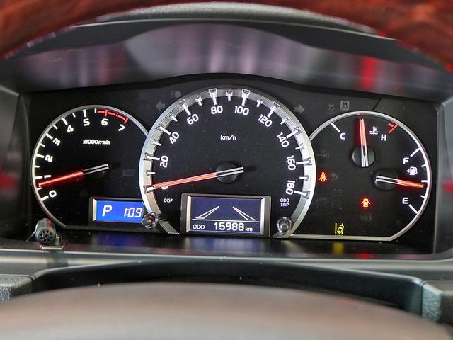 スーパーGL 50TH アニバーサリーリミテッド 4WD ワイドボディ 1オーナー カスタム 寒冷地仕様 両側電動スライドドア ベッドキット 社外17AW フルセグナビ ツインモニター セーフティセンス LEDヘッドライト フロントリップ(20枚目)